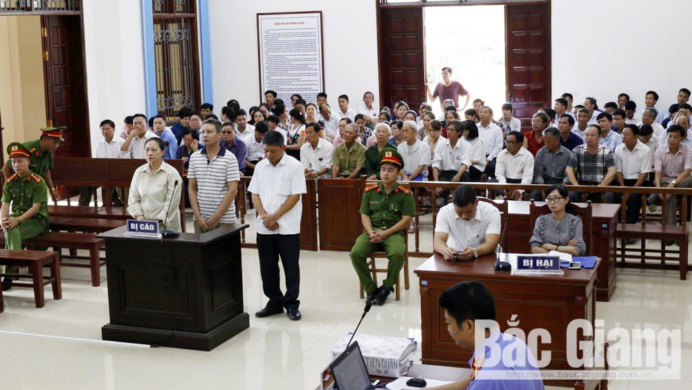 TAND tỉnh Bắc Giang hoãn xét xử vụ án cán bộ huyện làm trái quy định gây hậu quả nghiêm trọng
